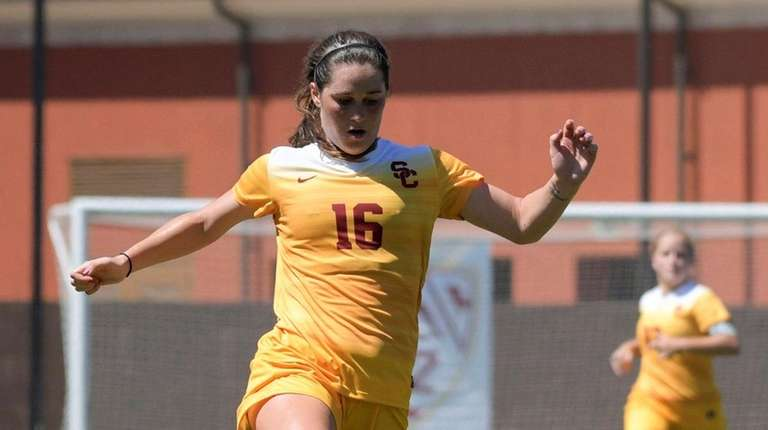 Hicksville's Amanda Rooney helped USC win national title