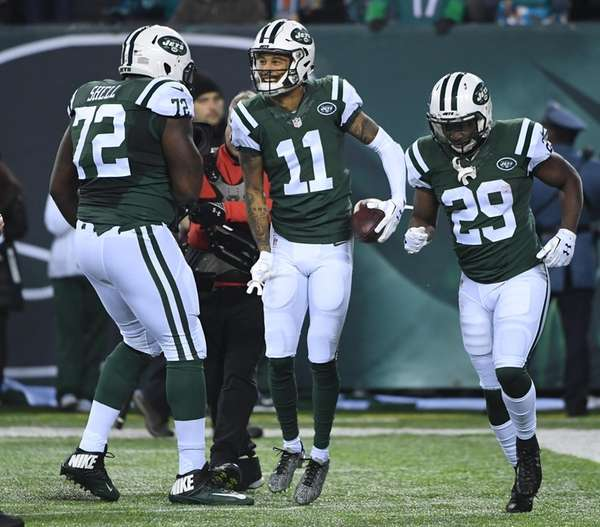 New York Jets wide receiver Robby Anderson, center,