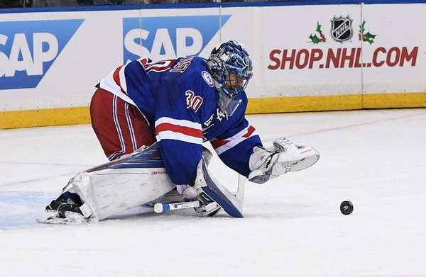 Rangers goalie Henrik Lundqvist, who made 31 saves,