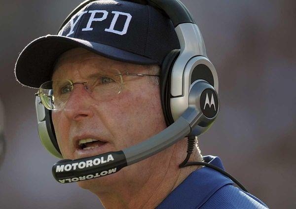 New York Giants head coach Tom Coughlin wearing