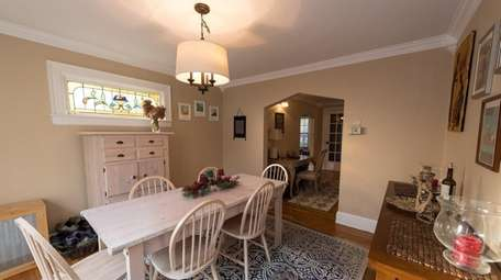This is the dining room in the Hanleys'