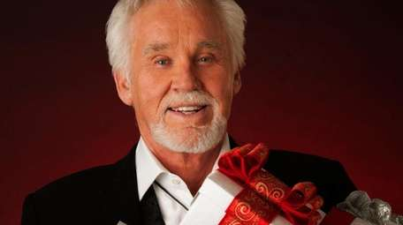 Kenny Rogers brings his final Christmas show to