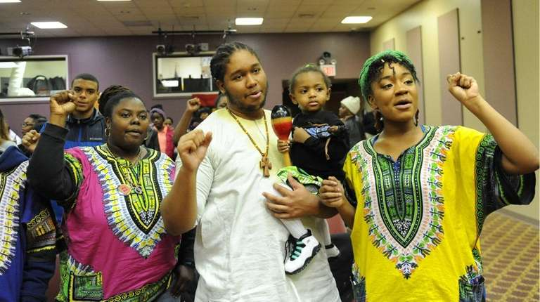 Kwanzaa celebration is held at the Brentwood Public