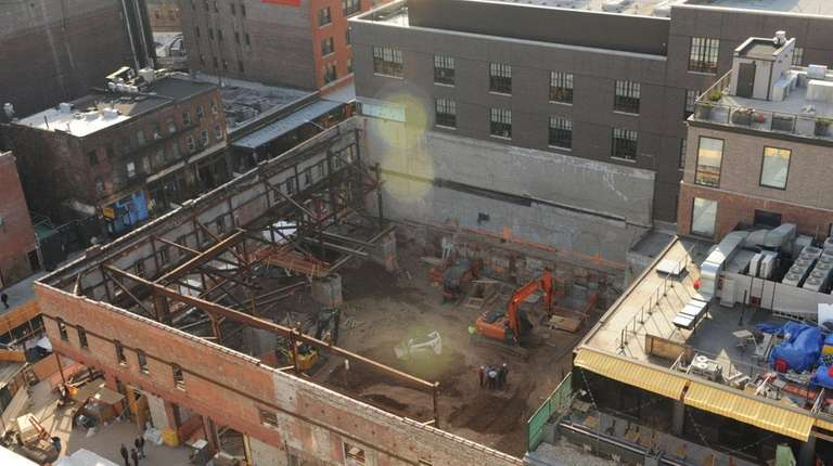 A Manhattan general contractor convicted of manslaughter this