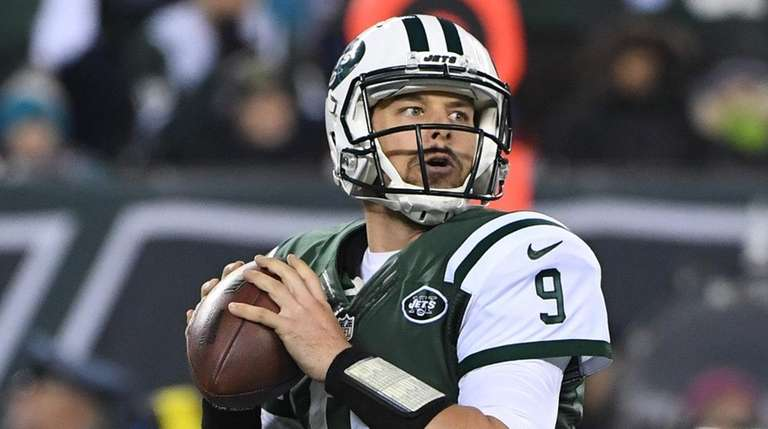 New York Jets quarterback Bryce Petty throws an