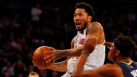 Derrick Rose of the New York Knicks goes