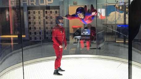 Kidsday reporter Nicole Weinstein learns to skydive at