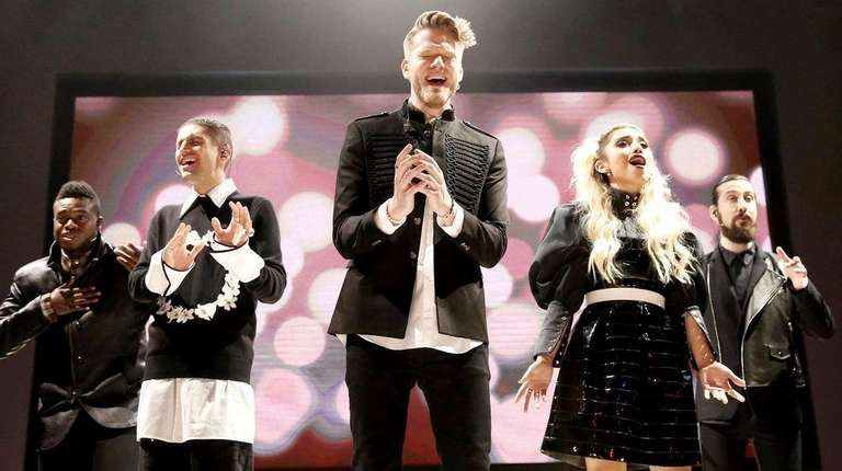 pentatonix tops itunes list of top christmas songs of 2016