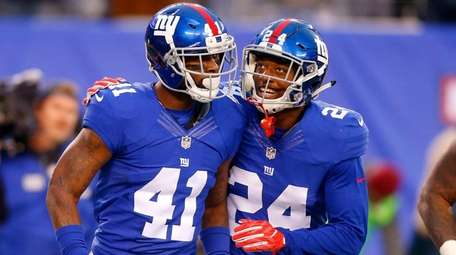 Dominique Rodgers-Cromartie, left, of the New York Giants