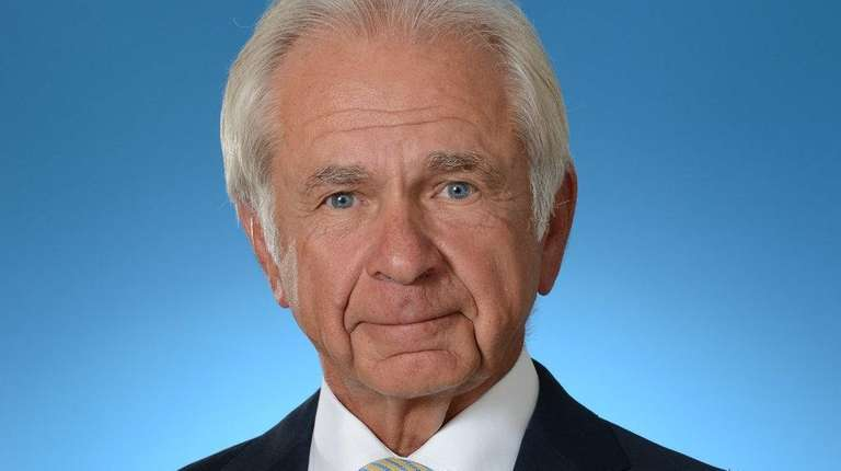 John Kanas is retiring as BankUnited's CEO and
