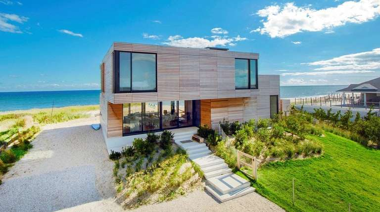 This Beach House In Water Mill On The
