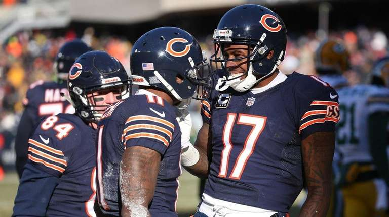 Chicago Bears wide receiver Josh Bellamy celebrates with