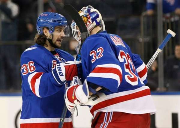 New York Rangers' right wing Mats Zuccarello congratulates