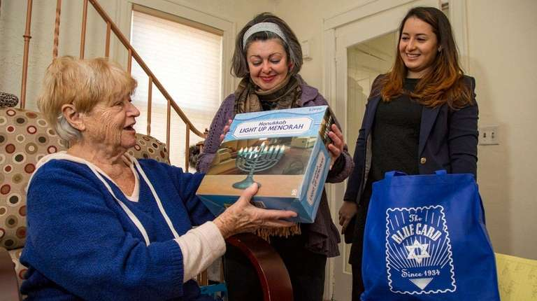 Holocaust survivor Magda Rosenberg receives Hanukkah care package