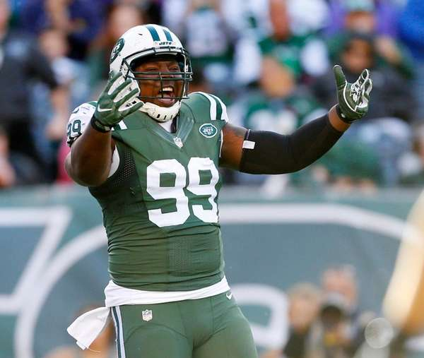 Steve McLendon  of the New York Jets reacts