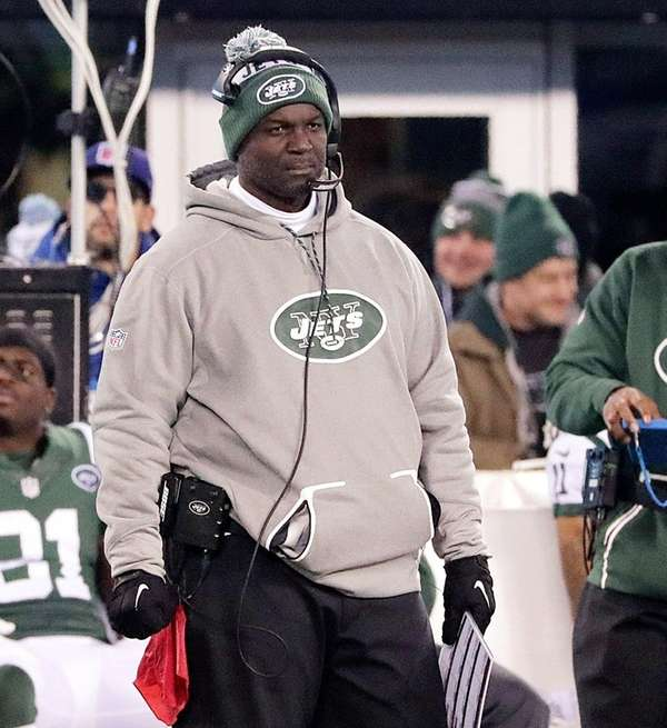 Jets coach Todd Bowles on the sidelines during