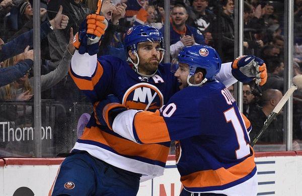 New York Islanders left wing Andrew Ladd celebrates