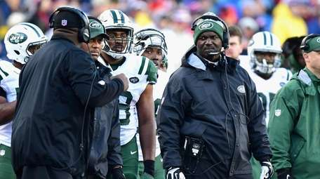 Head coach Todd Bowles reacts during a game