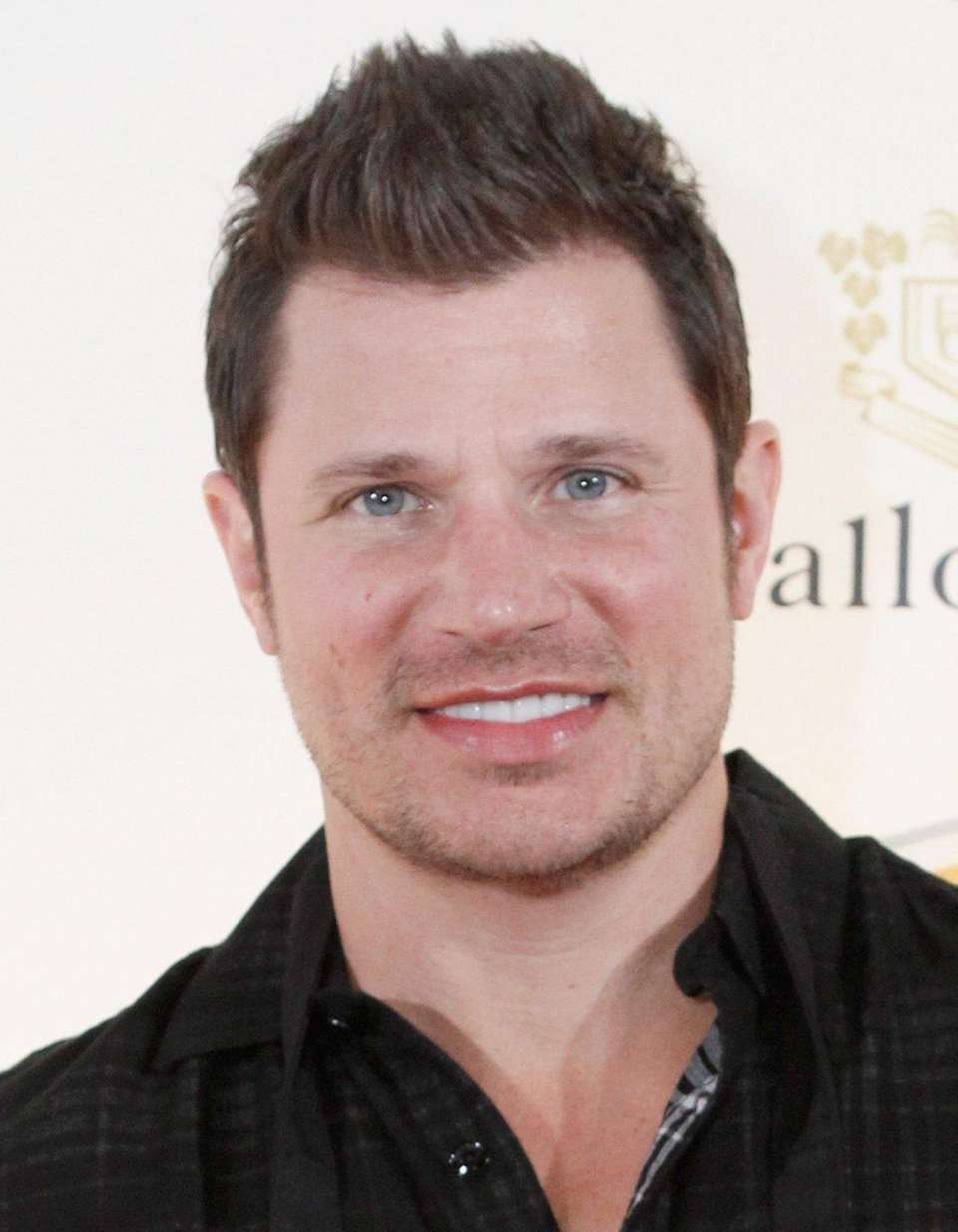 Singer Nick Lachey and wife, Vanessa, welcomed son