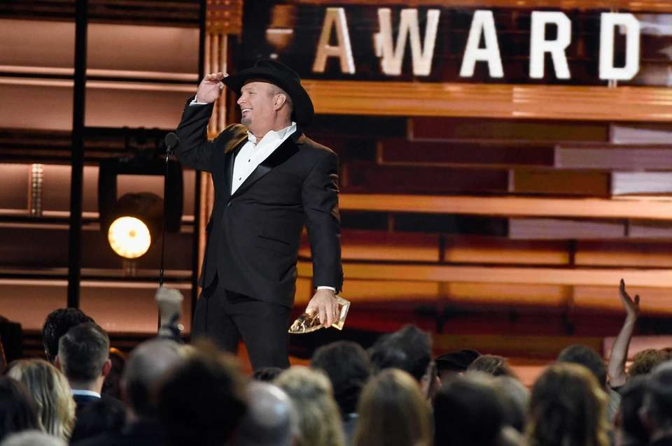 Country music legend Garth Brooks proved he still