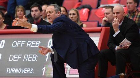 Rutgers' Steve Pikiell coaches against his former team,