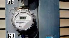 A then-new PSEG smart meter is shown at