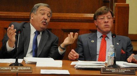 Lindenhurst Mayor Thomas Brennan, left, and Deputy Mayor