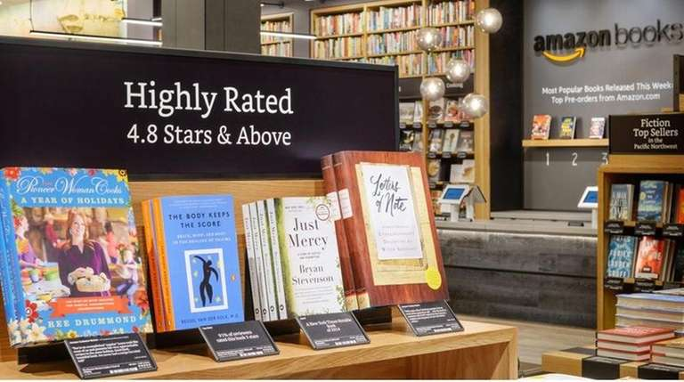 Amazon plans to open its first Manhattan bookstore,