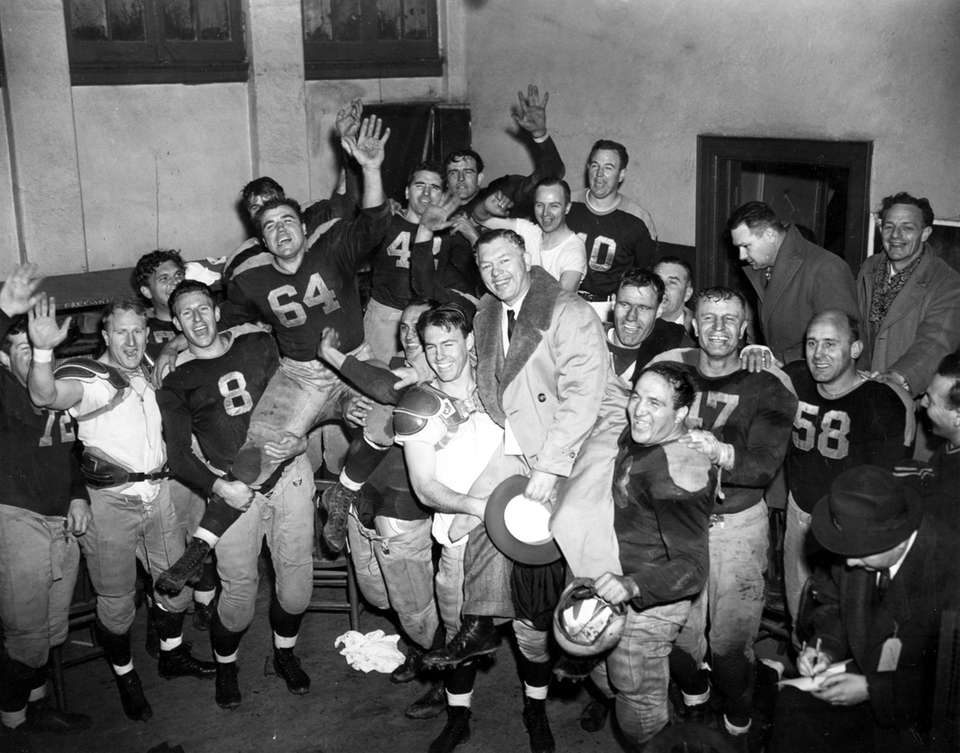 NFL Championship At Polo Grounds Packers won, 14-7