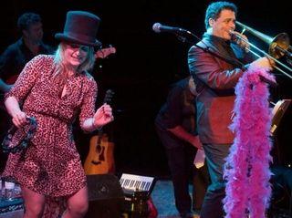 Singer-songwriter Nancy Atlas performs with trombonist Clark Gayton