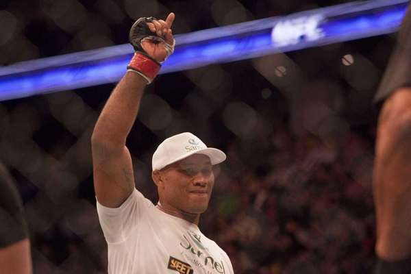 Ronaldo 'Jacare' Souza to fight Tim Boetsch at UFC 208
