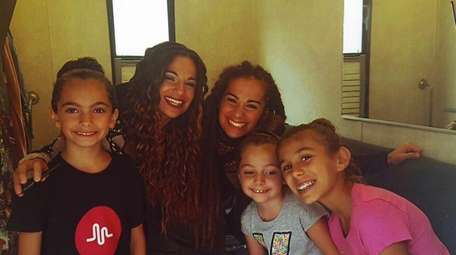 Kidsday reporter Gianna Masciopinto, left, with her cousins