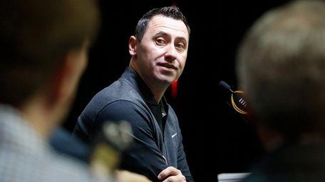 Offensive coordinator Steve Sarkisian of the Alabama Crimson