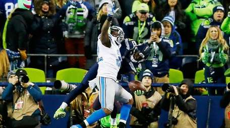 Paul Richardson of the Seattle Seahawks makes a touchdown