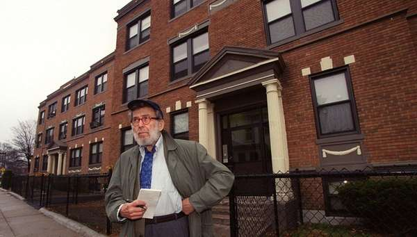 Nat Hentoff surveys his old Roxbury neighborhood in