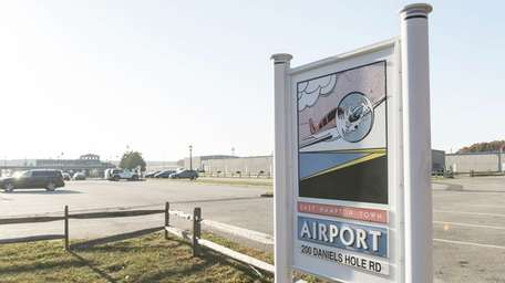 Sign of the East Hampton Town Airport on
