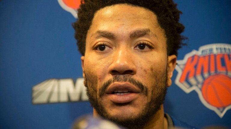 New York Knicks point guard Derrick Rose addresses