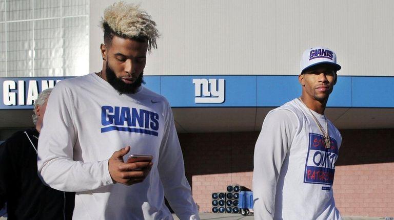 New York Giants wide receivers Odell Beckham, center,