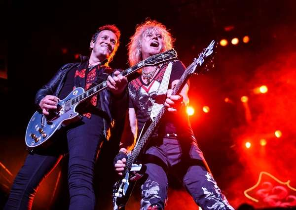 Def Leppard, with Poison and Tesla, launching North American tour