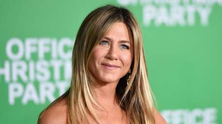 Actress Jennifer Aniston attends the premiere of Paramount