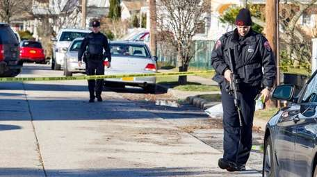 Freeport Police investigate a shooting on Washburn Avenue