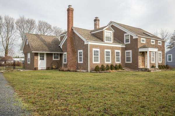Aquebogue farmhouse has old charm, modern touches for $489,000
