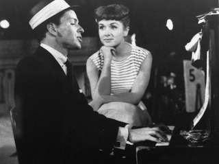 Debbie Reynolds is out to snare Frank Sinatra