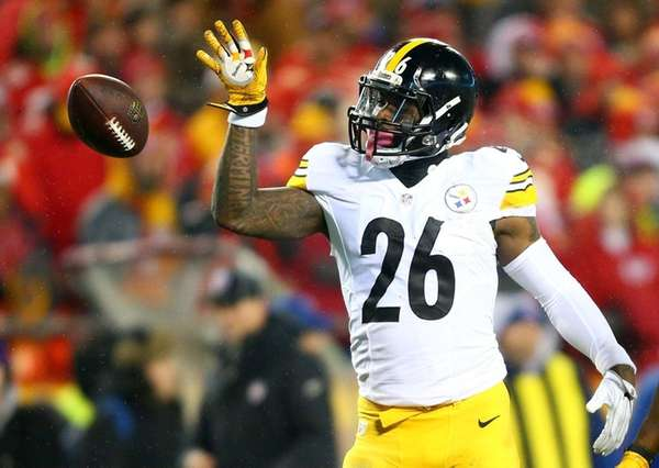 Running back Le'Veon Bell #26 of the Pittsburgh