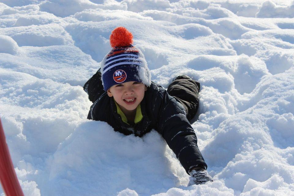 Sammy 6 in the first snow of LI