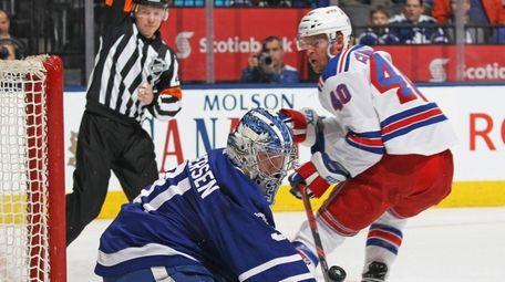 Frederik Andersen of the Toronto Maple Leafs makes