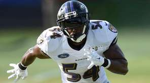Baltimore Ravens linebacker Zachary Orr awaits a pass