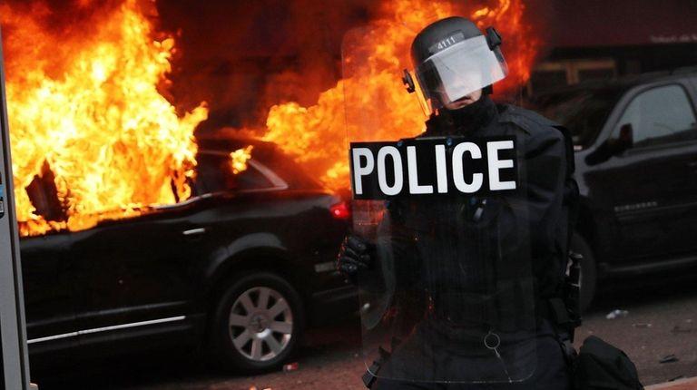 WASHINGTON, DC - JANUARY 20: Police and demonstrators