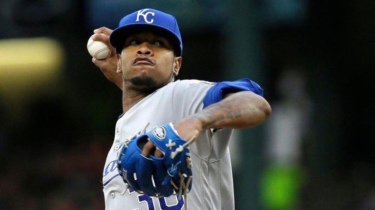 Kansas City Royals starting pitcher Yordano Ventura throws