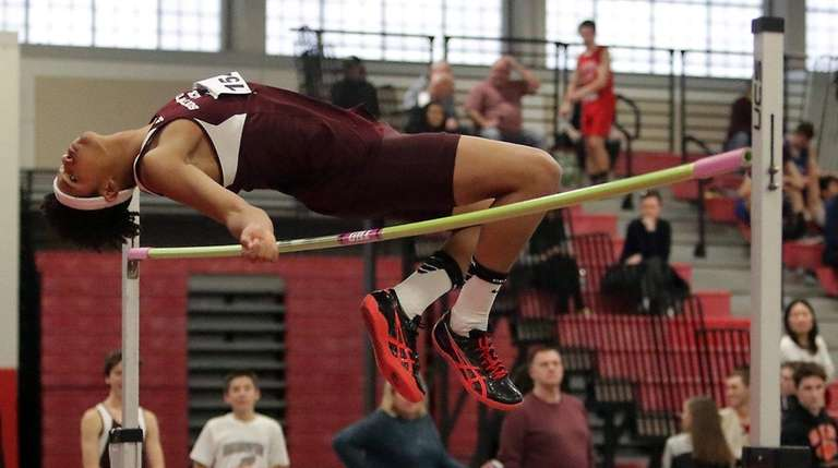 Nakia Williams of Southampton clears 6-2 in the